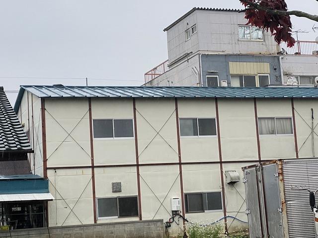 土浦市で屋根材が飛ばされていて雨漏りしているお客様宅