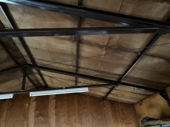 お問い合せを頂いた土浦市の倉庫の全体に雨染みが多く付いている