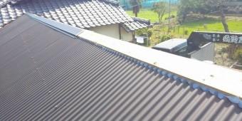 水戸市で波トタン屋根の棟板金