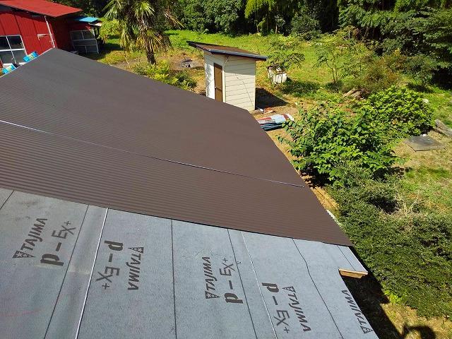 水戸市のガルバリウム鋼板の波トタン