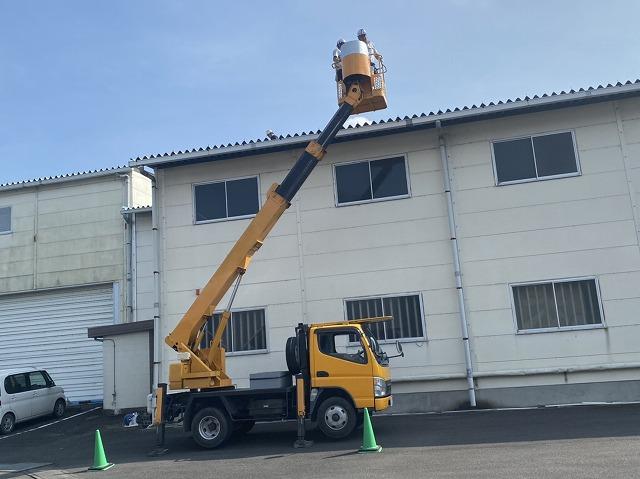 桜川市で高所作業車を使用して折板屋根を点検