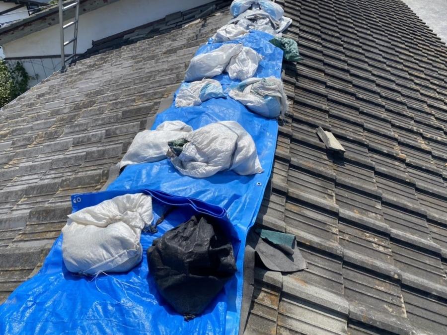 屋根破損による雨漏り