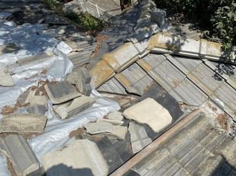 台風被害により屋根雨漏り