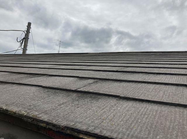 塗装前のスレートコロニアル屋根