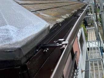 内吊り金具を使用したシビルスケアPC50雨樋