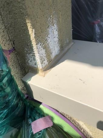 壁との取り合い部と笠木板金をしっかりコーキング
