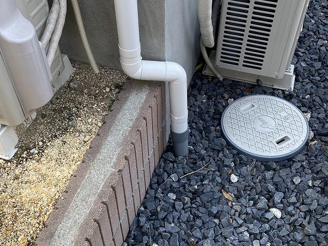 交換補修が完了した竪樋部