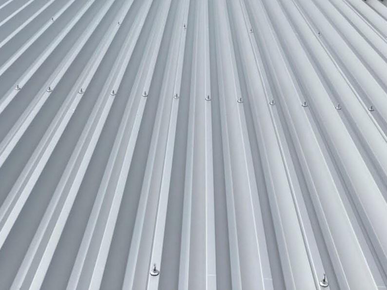 屋根上から見た折板屋根のイメージ