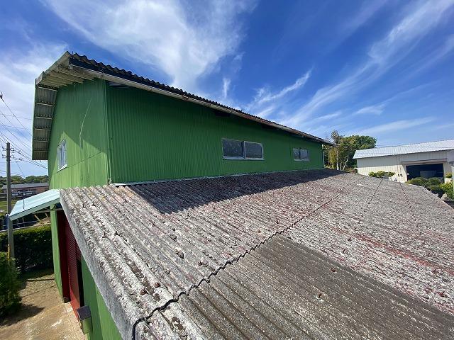 稲敷市で屋根カバー工事と外壁張替え工事を行ったお客様の施工前写真