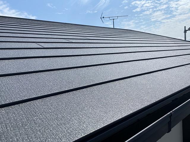 スーパーガルテクトで葺いた屋根