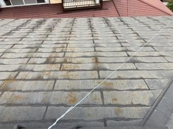 水戸市のスレート屋根は中に水が浸透している