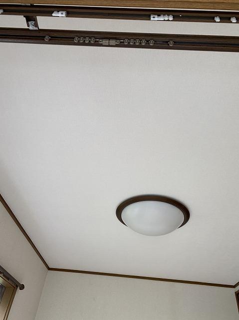 綺麗に仕上がった洋室天井