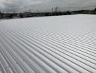 桜川市の倉庫で折板屋根カバー工事が完了いたしました