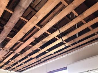 天井解体完了別角度