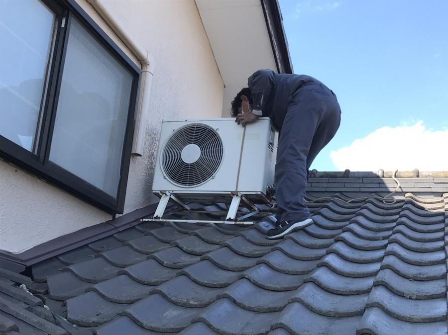 石岡市でエアコン室外機を屋根から下ろすのに必要なロープ