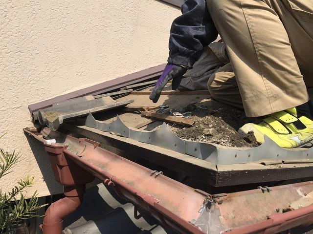 石岡市でセメント瓦の軒先瓦撤去