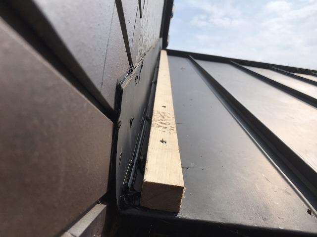 鹿嶋市で雨漏り修理に新しい雨押え板金の木下地