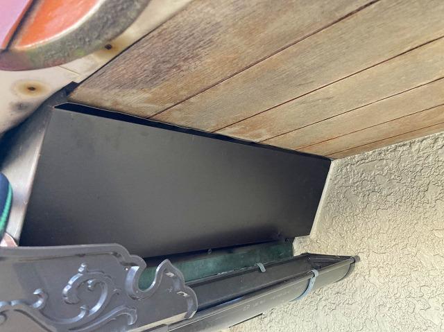 箱形板金が付けられた店舗雨漏りの箇所