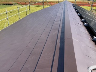 スレート屋根カバー工法施工後