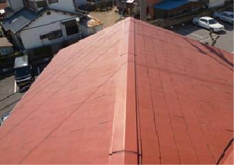 マンション2号棟の屋根